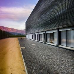 vina-las-ninas-winery-exterior-02